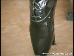 Oversexed milf fasten wide of pantyhose