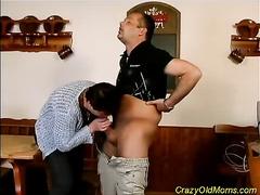 Old mam gets cum