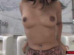 Cute Asian Annie Cruz gets showered near satisfy a experience